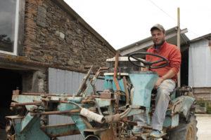 Travail du sol, David sur son tracteur, devenir vigneron épisode #4